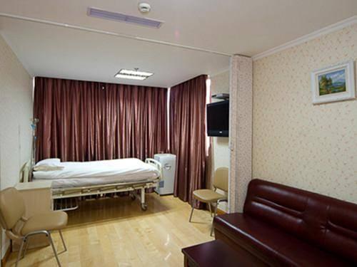 宁静温馨病房